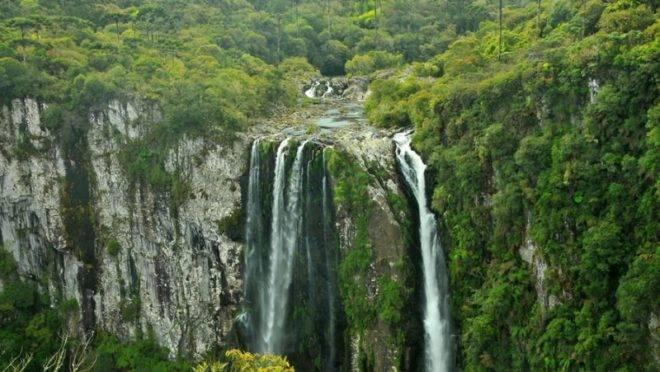 Cânion Itaimbezinho, um dos maiores atrativos do Parque Nacional de Aparados.