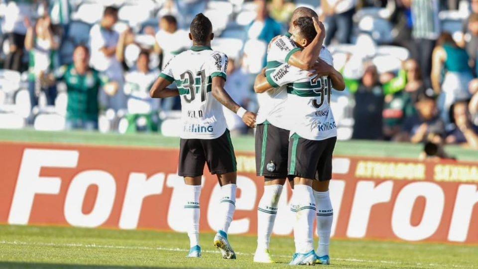 Coritiba vence o América-MG na estreia de Jorginho e quebra jejum de 6 jogos