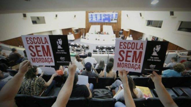 Votação do projeto Escola Sem Partido na Assembleia Legislativa do Paraná