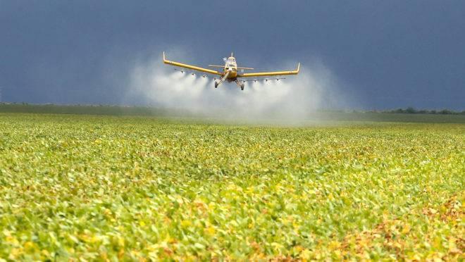 A empresa tem uma variedade de mais de 2100 produtos na área química de defensivos agrícolas
