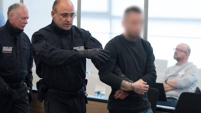 """Um dos suspeitos do grupo chamado """"Revolução Chemnitz"""" no tribunal em Dresden, Alemanha, 30 de setembro de 2019, primeiro dia do julgamento da suposta célula terrorista neonazista"""