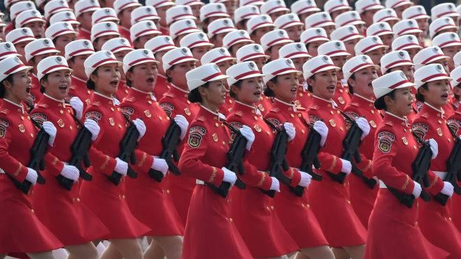 Desfile militar em comemoração ao 70.º aniversário da fundação da República Popular da China.