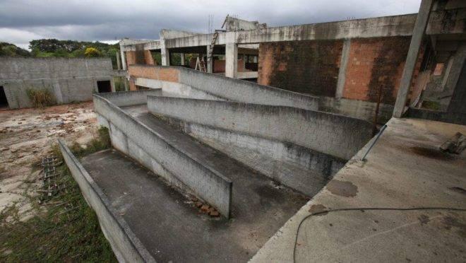 Obras de escolas do governo do Paraná
