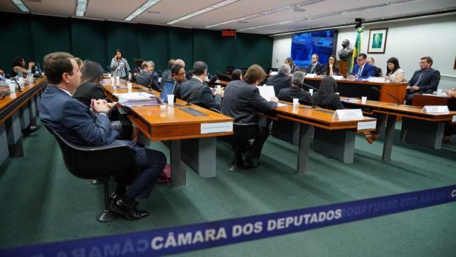 Grupo analisa pacote anticrime na Câmara dos Deputados.