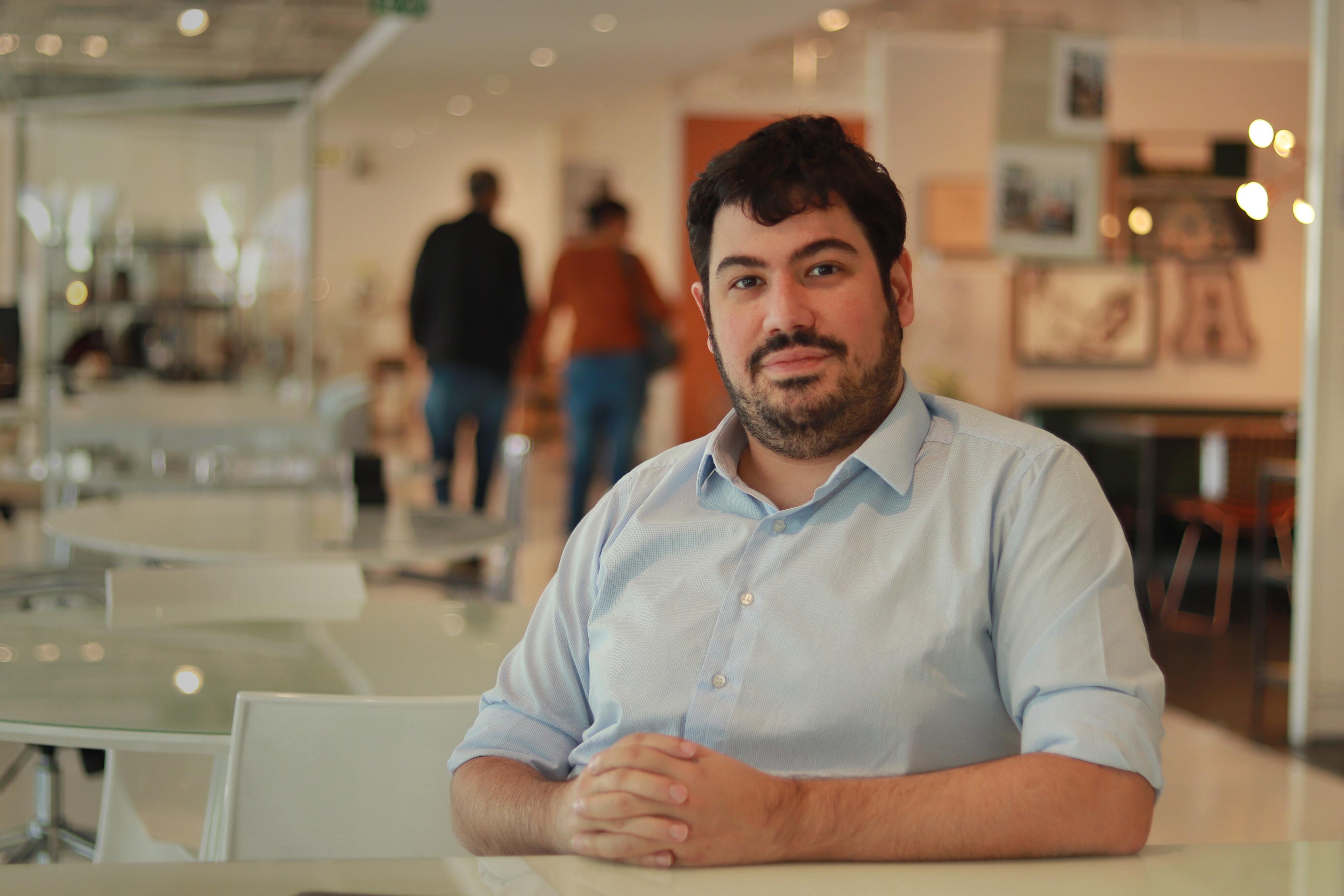 Maurício Ferro é gerente geral de marketing e comunicação da <em>Tok&Stok</em> e esteve em Curitiba nesta terça-feira (1) na loja do Jockey Plaza. Foto: divulgação.