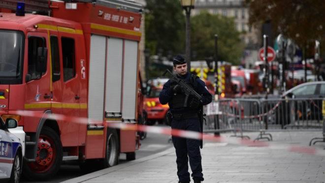 Atentado ocorreu na sede da polícia francesa, em Paris