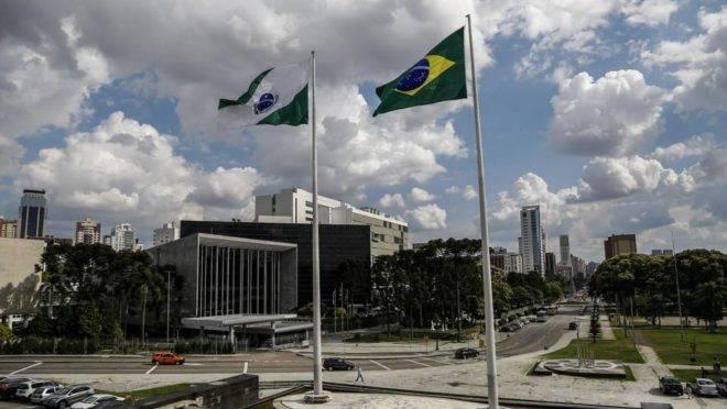 Reajuste salarial de parte do funcionalismo estadual foi promulgado pela Assembleia Legislativa do Paraná.