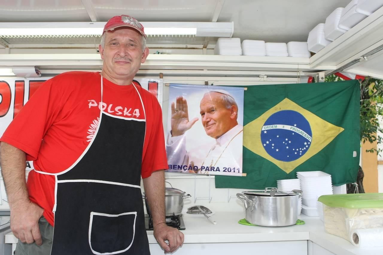 Foto de 2011, ano em que o papa João Paulo II foi beatificado. A canonização ocorreu em 2014. Foto: Marcelo Elias/Gazeta do Povo/Arquivo