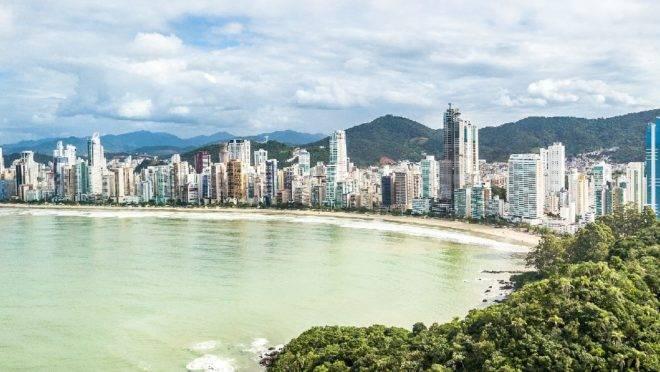 De acordo com projeções do Ministério do Turismo, pelo menos cinco navios deverão atracar no novo porto, atraindo mais 300 mil turistas na costa brasileira, sendo 120 mil estrangeiros.