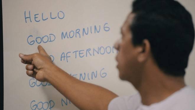 Educação Inspira: aulas de inglês para moradores de rua!