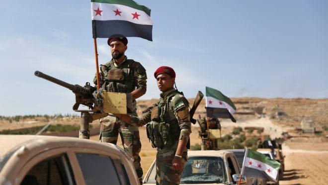 Rebeldes sírios apoiados pela Turquia