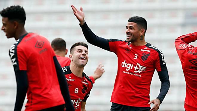 Athletico tem Lucho, Cirino, Ruben e mais 9 com contrato só até dezembro; veja quem pode sair