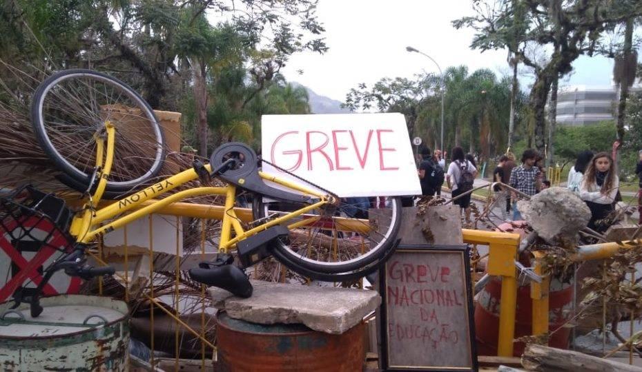 Sem sentido, greve de estudantes da UFSC termina após 37 dias