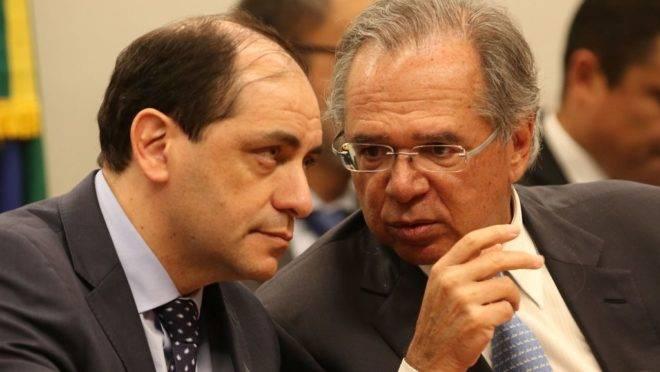 O secretário Especial da Fazenda, Waldery Rodrigues Junior, e o  ministro da Economia, Paulo Guedes.