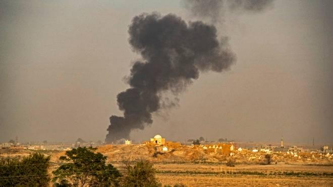 Bombardeio turco no nordeste da Síria