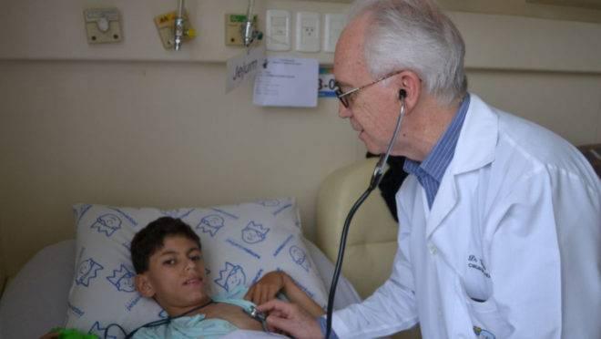 Cesar Cavalli Sabbaga fez 50 mil cirurgias no Hospital Pequeno Príncipe.