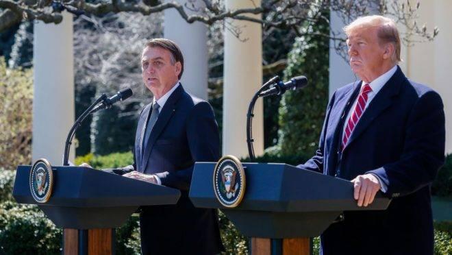 Trump e Bolsonaro durante coletiva de imprensa no jardim da Casa Branca, na visita do presidente do Brasil aos EUA.