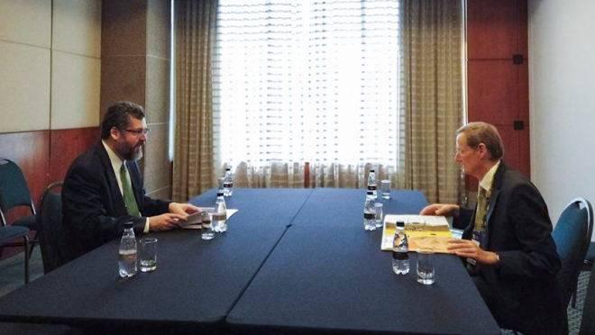 Requisitos para entrar na OCDE: reunião com secretário-adjunto