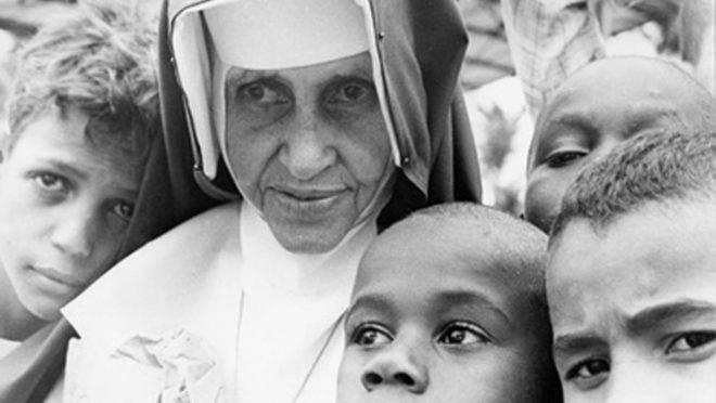 Horário de canonização de Irmã Dulce