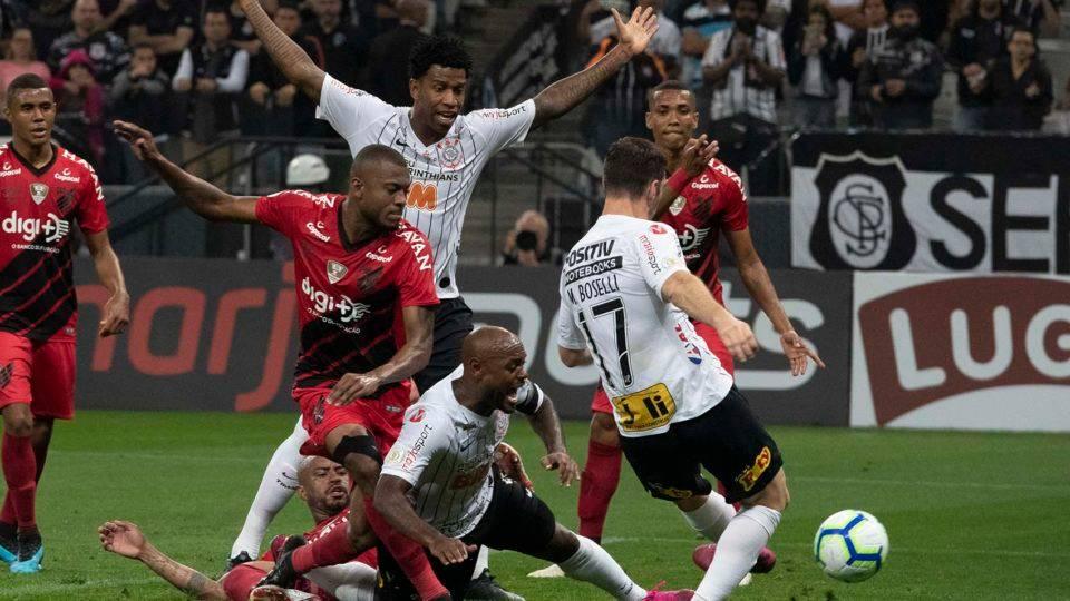Athletico exibe jogo com Corinthians no Youtube para o exterior, com narração em inglês