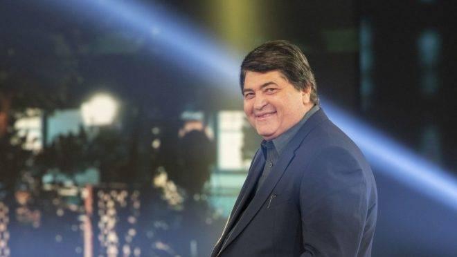 Cortejado pelo mundo político e eterno pré-candidato à prefeitura de São Paulo, o apresentador popular José Luiz Datena se aproxima de Jair Bolsonaro.