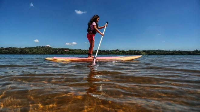 Há cinco anos, Passaúna Paddle Club anima dias quentes dos curitibanos com esportes aquáticos.
