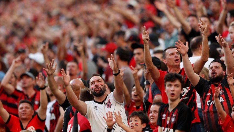 Antes de reclamar da torcida, Athletico precisa entender por que seus sócios não vão aos jogos