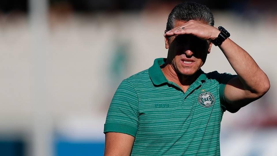 Coritiba terá mudanças para encarar o São Bento: confira a provável escalação