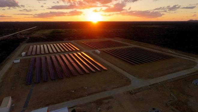 Local: Petrolina/PE. Cliente: WEG/CHESF. Potência: 2.508 kWp. Realização em 2018.