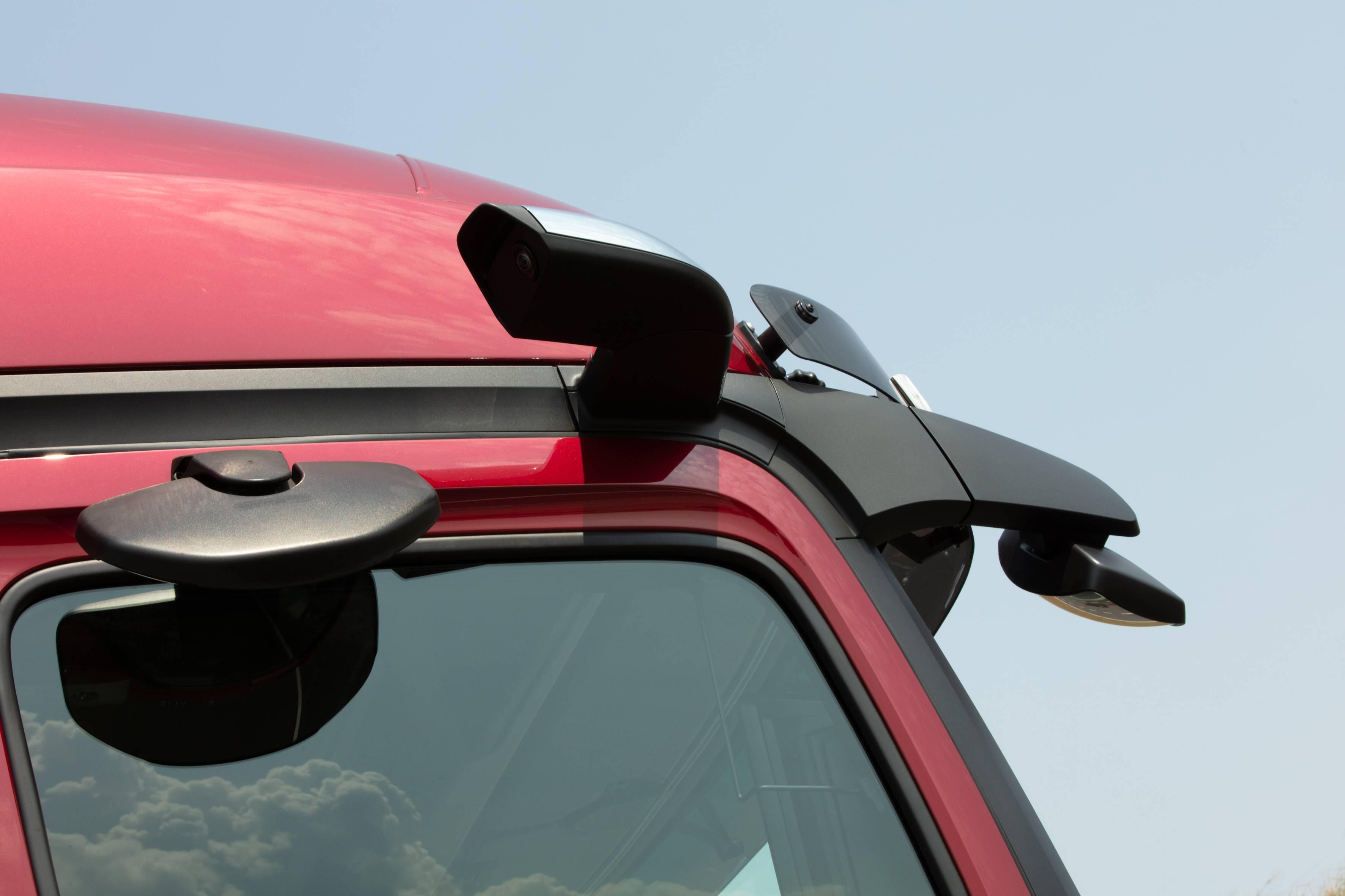 Câmeras digitais no lugar de espelhos retrovisores melhoram a aerodinâmica do Actros. Foto: Mercedes-Benz/ Divulgação