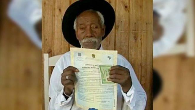 Foto de Sebastião Batista dos Santos, de 117 anos