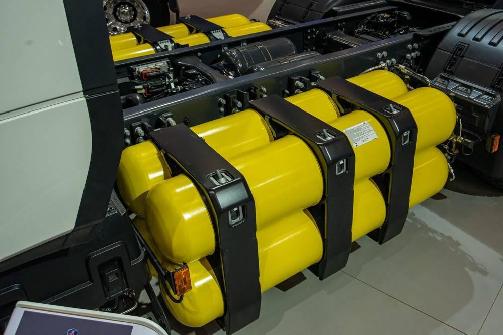 Cilindros para armazenar o GNV do caminhão R 410 GNC (gás natural comprimido). Foto: Scania/ Divulgação