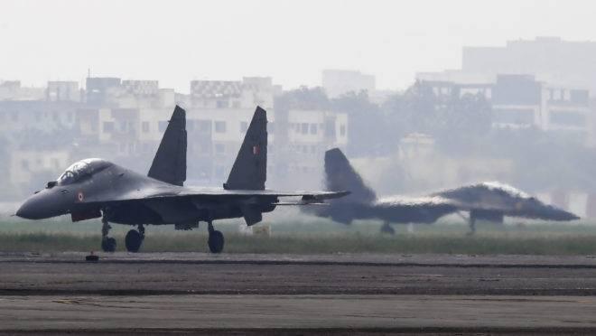 Caças Sukhoi Su-30