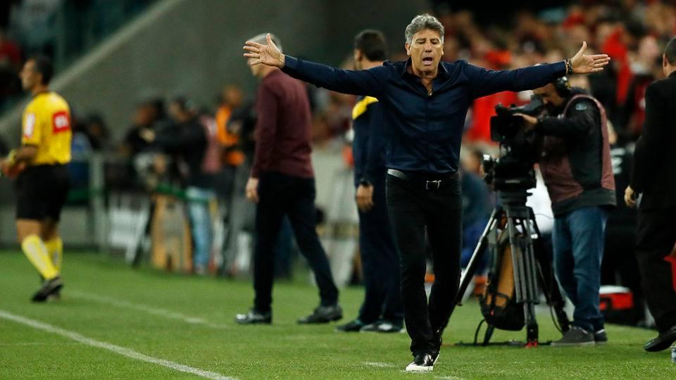 """Renato detona """"jogo feio"""" no Brasil e exalta Athletico, Grêmio, Flamengo e Santos: """"Gostam de ganhar"""""""