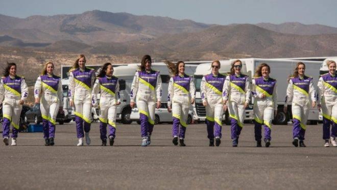 Para aumentar a participação de mulheres no automobilismo, a FIA criou a W Series, categoria só de mulheres. A medida não agradou a todas as pilotos.