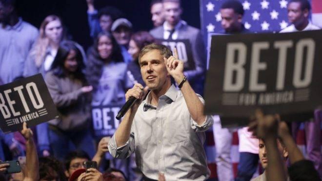 Sem entender o papel das igrejas nas obras de caridade, o candidato democrata à Presidência dos EUA, Beto O'Rourke quer cobrar impostos de doações