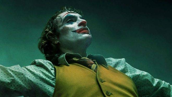 """Em """"Coringa"""", a paleta de cores é tão importante quanto o roteiro e a interpretação de Joaquin Phoenix para compor o icônico personagem."""