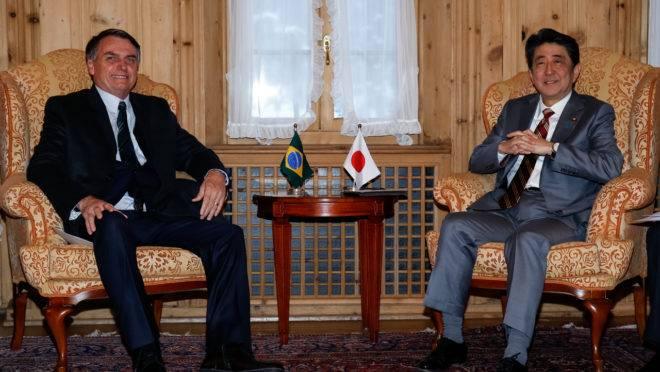 Presidente da República, Jair Bolsonaro, durante reunião com o primeiro-ministro do Japão, Shinzo Abe. Os dois devem se encontrar novamente na quinta-feira (24).