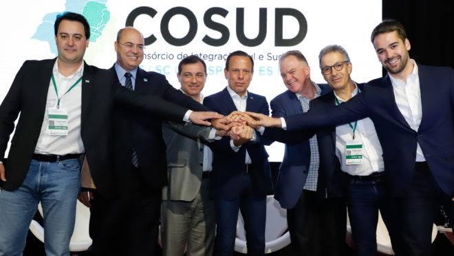Pela primeira vez, todos os sete governadores do Sul e Sudeste participaram de reunião do Cosud, em Florianópolis (SC).