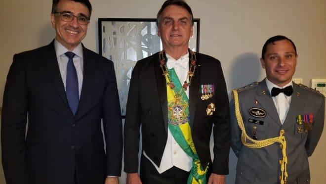 Bolsonaro participou da cerimônia de entronização no Palácio Imperial
