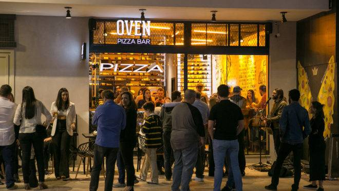Fachada da Oven Pizza Bar