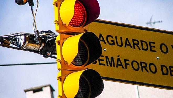 Parceria com a 99 ajudará prefeitura de Porto Alegre a fazer intervenções mais rápidas para ajustar o tempo dos semáforos