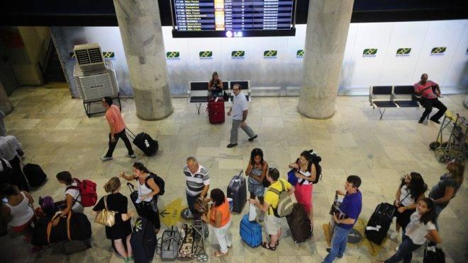 Filas no Aeroporto Santos Dumont, no Rio de Janeiro