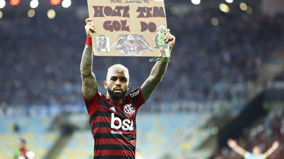 Flamengo goleia o Grêmio e enfrenta o River na final da Libertadores