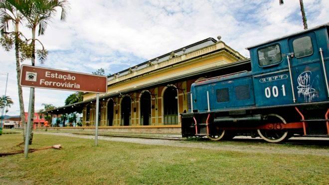 Estação ferroviária de Antonina.