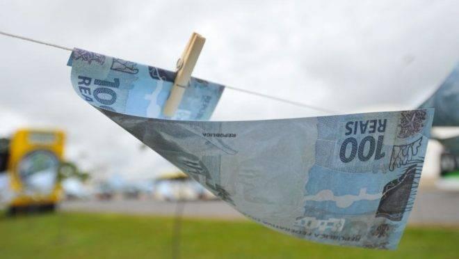 dinheiro no varal