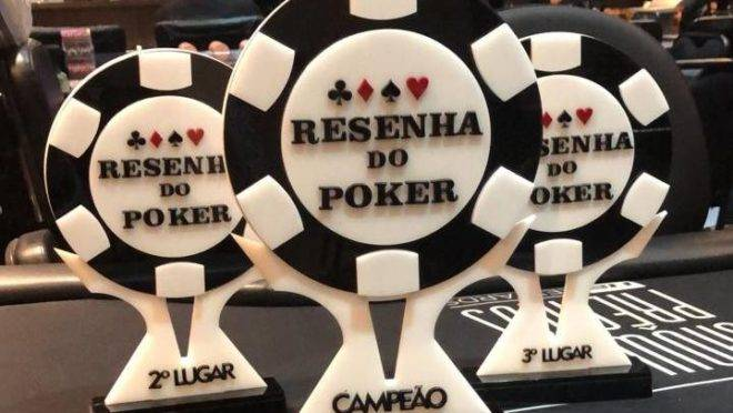 Troféu da última vez que o Circuito Resenha do Poker passou pelo H2 Curitiba. Foto: Divulgação