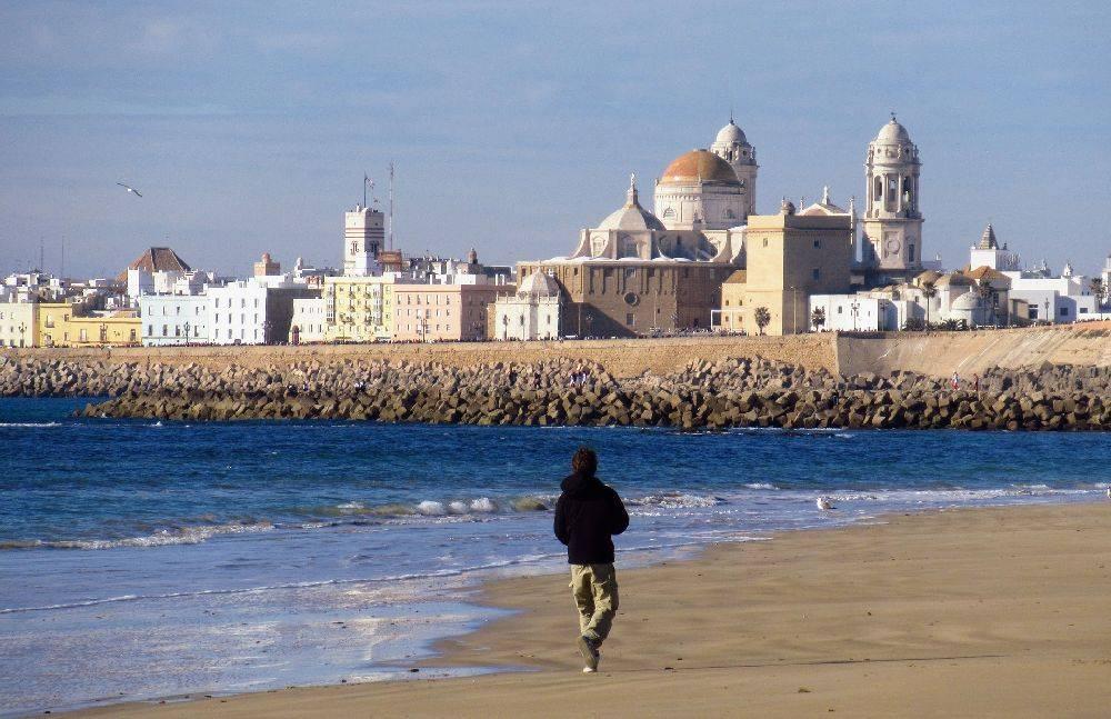 Praia na região de Cádiz, na Espanha. Foto: Pixabay