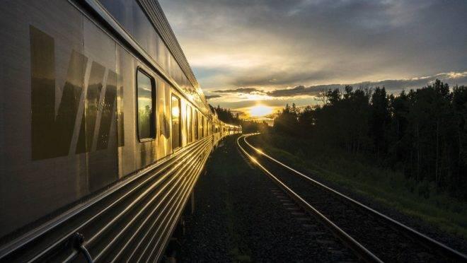Toda a viagem passa por três continentes, em aproximadamente 16 mil quilômetros sobre trilhos por 14 cidades do Canadá, China, Mongólia e Rússia.