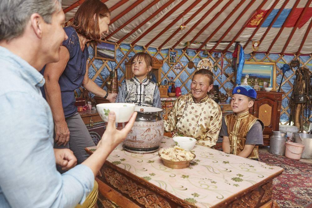 O contato com uma família nômade, na Mongólia, faz parte do roteiro. Foto: Divulgação.